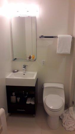 Hotel Vertigo: Bagno della camera
