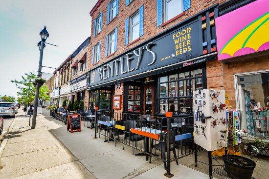 Bentleys Bar Inn Restaurant Bentley S At 99 Ontario Street Stratford
