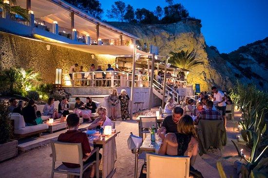 Best Seafood Restaurant Near Cala Llonga