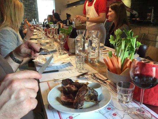 Siena, Italia: Our Meat Lovers tour, Bistecca Fiorentina Steak served family style