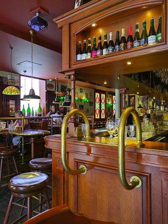 déco pub sympa   Picture of Bierbrasserie Cambrinus, Bruges
