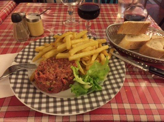 Le bourgogne chez celine et maurice paris canal saint martin restaurant avis num ro de - Restaurant rue des vinaigriers ...