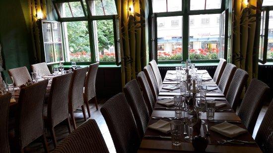 Plattform Restaurants: Gemütlicher Gastraum