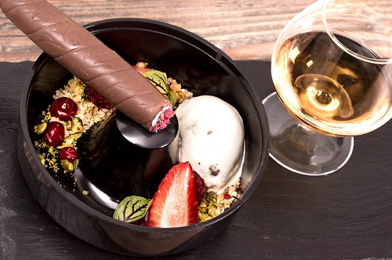 Tideswell, UK: The Merchant's Yard chocolate cigar