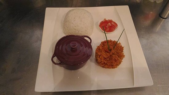 Foix, Frankrike: Rougail morue riz et lentilles cuisinés à la réunionnaise.