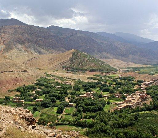 أزلال, المغرب: La vallée d'Ait Bougmez dans le haut Atlas central 