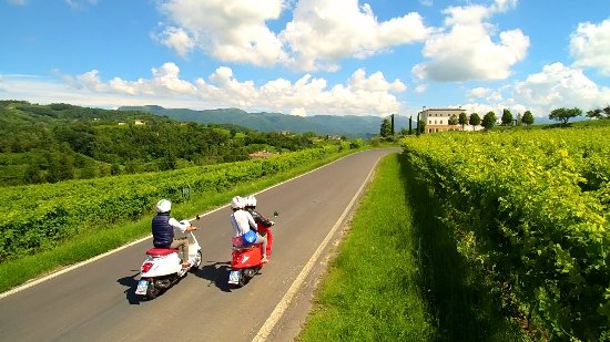 Vespa-, scooter- & brommertours