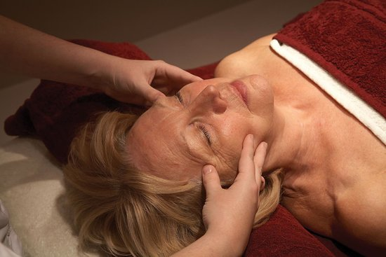 Head Massage at Richmond Painswick Wellness Spa
