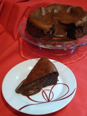Linda-a-Velha, Portugal: Aprecia Bolo de Chocolate então é obrigatório experimentar o nosso único e fantástico.