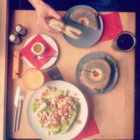 Etterbeek, Belgium: Olive's typical lunch
