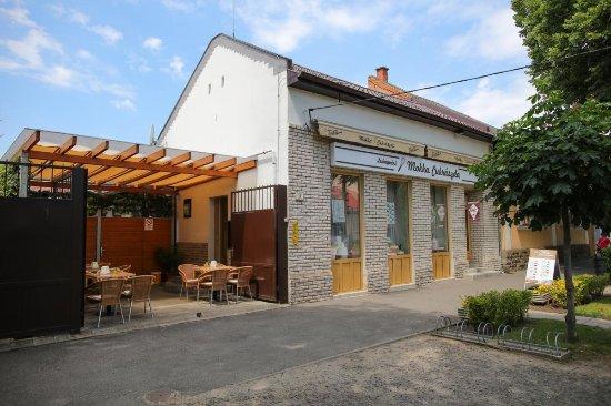 Nyiregyhaza, Hungary: Az üzlet