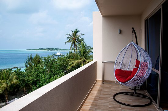 Thulusdhoo Island: View from the balcony porch swings overlooking Indian Ocean