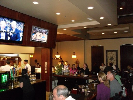 Firebrew Bar & Grill: Open Kitchen Concept - Bar Seats are BEST in house!