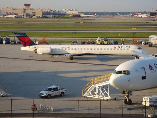 Renaissance Concourse Atlanta Airport Hotel: photo7.jpg