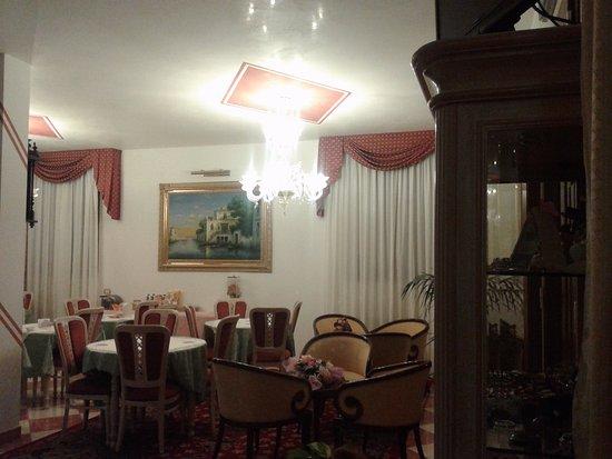 Hotel Nice: dining