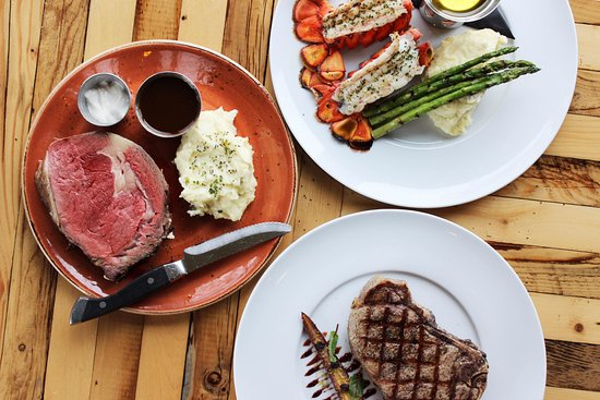 The Hunt Club Steakhouse : Prime Rib, Lobster Tails & Steak
