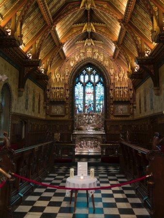 Inside of Church - サンドリン...