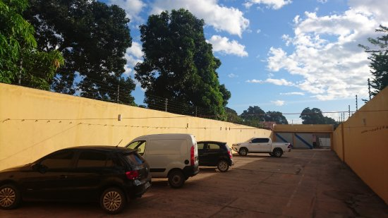 Barra Do Corda, MA: Estacionamento