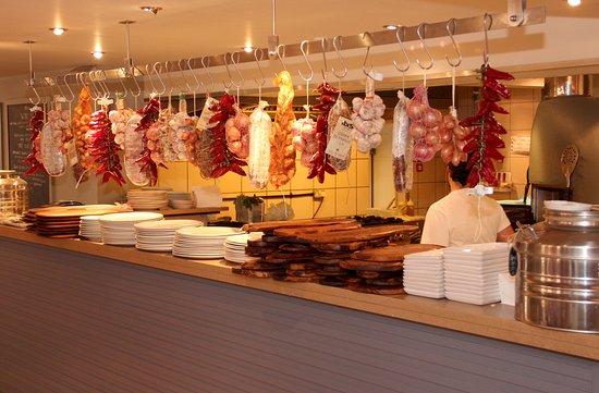 Zizzi - Chislehurst: Open kitchen