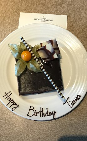 Shangri-La's Rasa Sentosa Resort & Spa: Love how the staff customised the plate with the complimentary slice of birthday cake for my dau