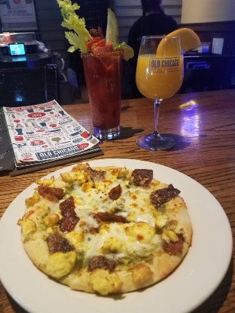 Conway, AR: Breakfast Pub Pizza