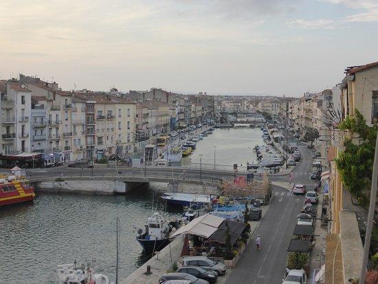 Hotel L'Orque Bleue: Vue sur le canal
