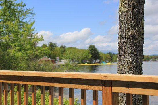Ossipee, NH: Shorepointe Cottage deck view