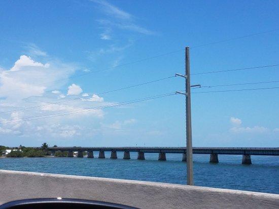 The Overseas Highway : fin del 7 miles bridge