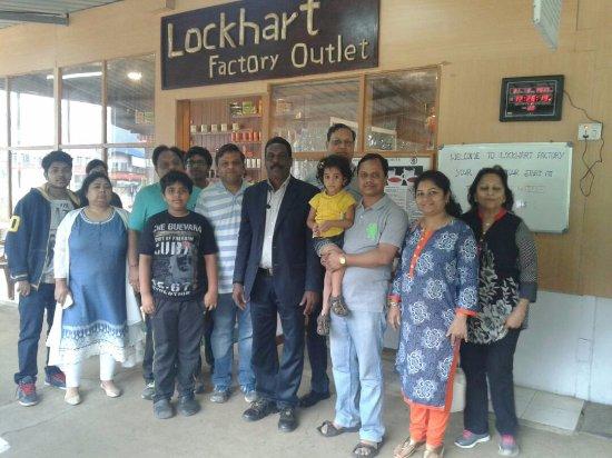 Devikulam, India: Guest at Lockhart Tea Factory