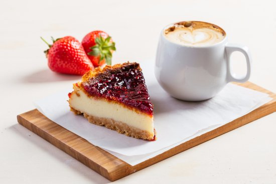 Bromley, UK: Cheesecake with latte