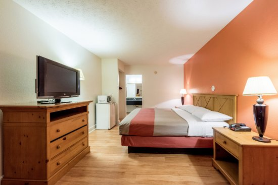 Hotels In Pigeon Forge With Smoking Rooms