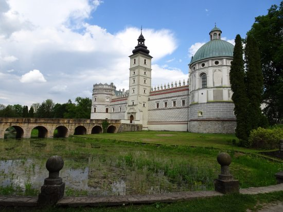 Krasiczyn, Πολωνία: Widok od strony mostu