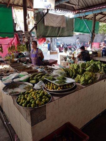 Mae Nam, Tailandia: утренний рынок