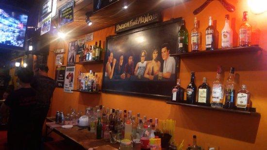Legends Bar: The legends