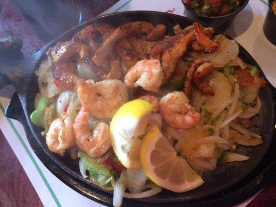 Westminster, CO: Shrimp and Chicken Fajitas!