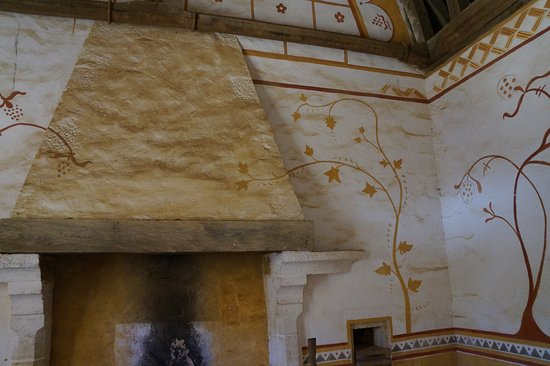 Chantier Medieval de Guedelon: une salle de la demeure seigneuriale