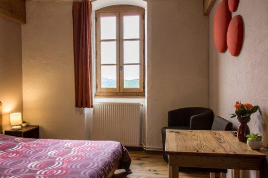 Saint-Symphorien-de-Mahun, France: chambre 2 personnes
