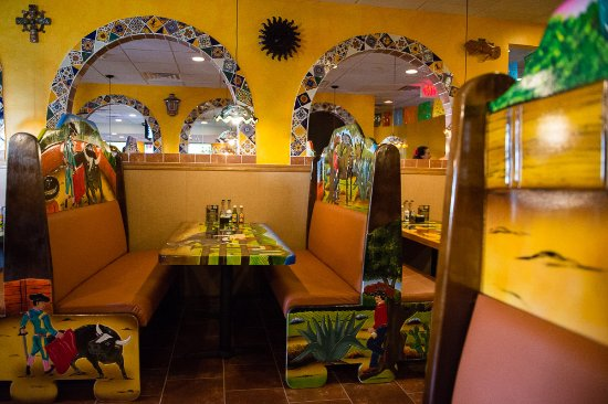 El Potro Mexican Bar & Grill: Furniture hand carved in Mexico