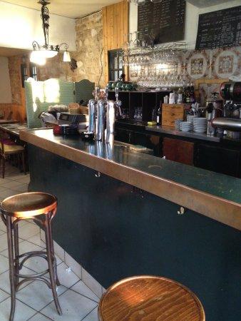 Les Lilas, France: le bar