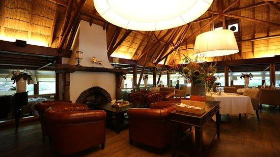 De Lunterse Boer Hotel Restaurant : Rondom de openhaard