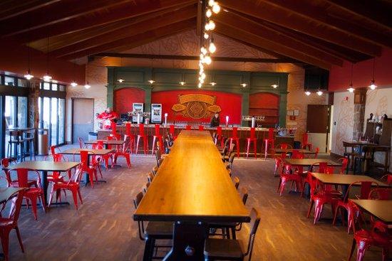 Fort Collins, CO: Indoor BIergarten