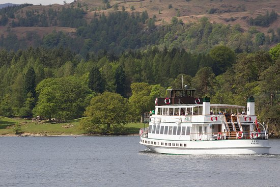 Windermere Lake Cruises: Steamer MV Swan on the Yellow Cruise from Bowness to Lakeside. The journey takes about 40 minute