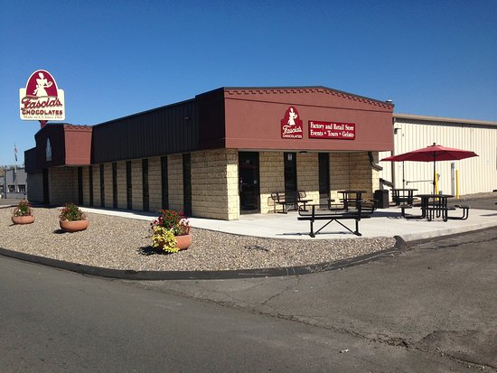 Waterbury, CT: Fascia's Chocolates factory and store building
