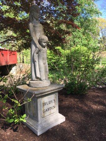 รีดดิง, เพนซิลเวเนีย: Trudy's Garden is a lovely place to sit and reflect quietly or hold your wedding ceremony!