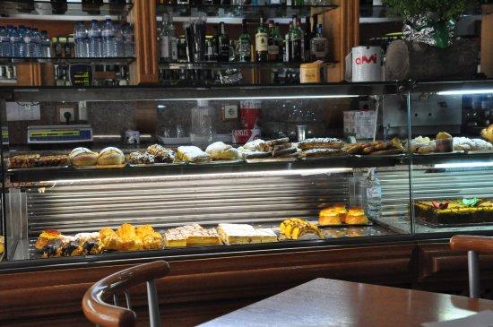 Cafe Restaurante Nicola Coimbra, Lda: Sweets.