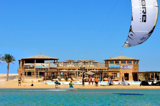 The Breakers Diving & Surfing Lodge: 7 Bft KiteHouse - just a few minutes from the hotel by free shuttle bus