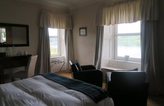 Tighnabruaich, UK: Room was immaculately clean, with serene views and a very comfortable bed.