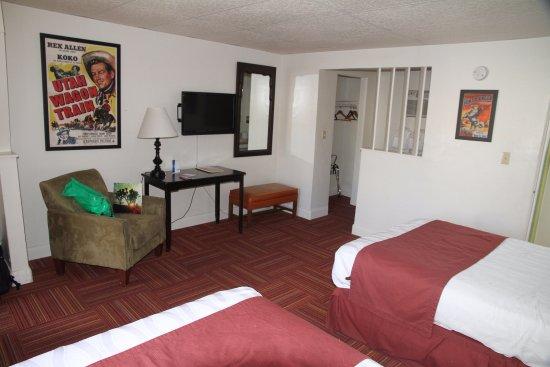 Aikens Lodge Photo