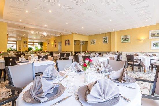 Hotel restaurant de la poste tence france voir les for Restaurant a lasalle