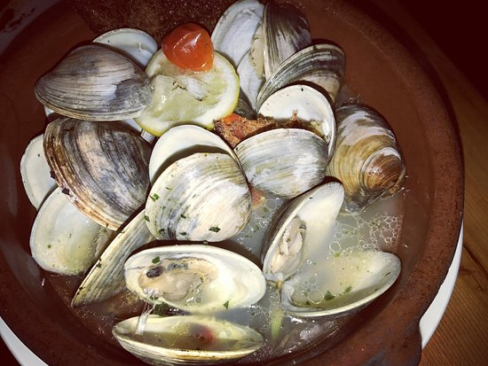 Wayne, PA: wood-fired clams